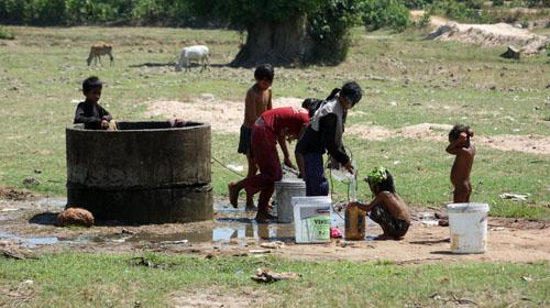 Kampong Leng, Kampong Chhnang, watrer and life