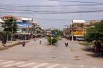 ផ្លូវពីភ្នំពេញ ទៅទីក្រុងកឹងធើ, ច្រកព្រំដែនភ្នំដិន, ខេត្តអាងយ៉ាង, ទីក្រុងឡុងសៀង, ទីក្រុងកឹងធើ, ប្រទេសវៀតណាម, Bus from Phnom Penh to Can Tho, Phnom Den Border, Cambodia Vietnam Check Piont, An Giang, Long Xuyen, Can Tho, Vietnam, Cambodia